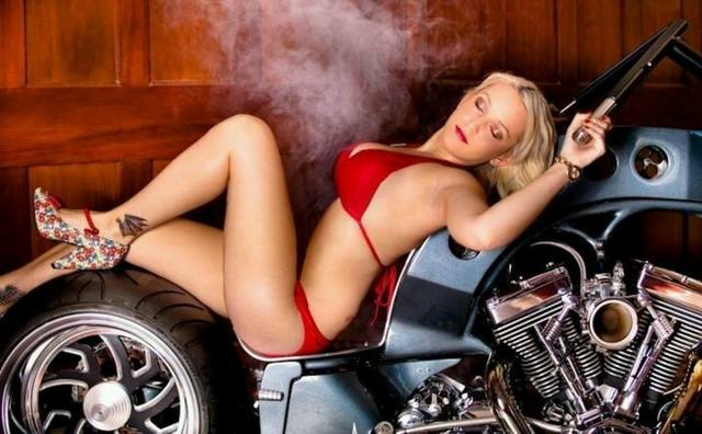 Girls-and-motorcycles